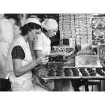 Packing tins, 1940s
